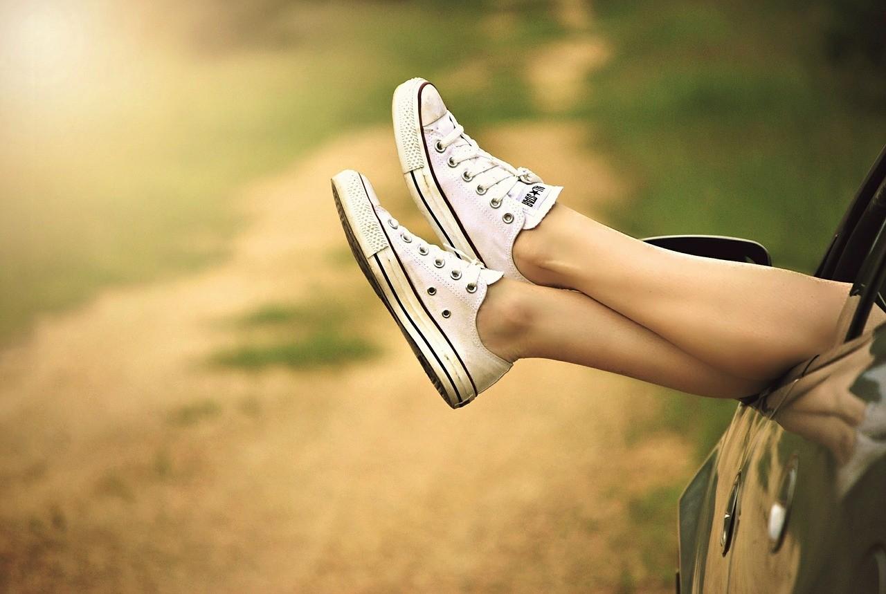Как избавиться от резкого запаха ног?